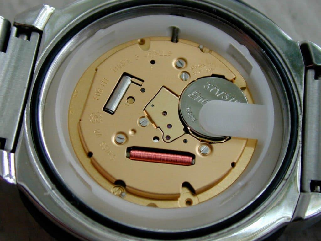 ETA - Kuvars Saat Mekanizması